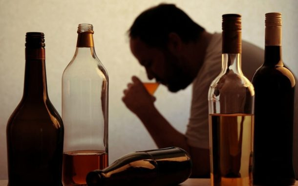 El consumo frecuente de alcohol mata nuevas células cerebrales en adultos