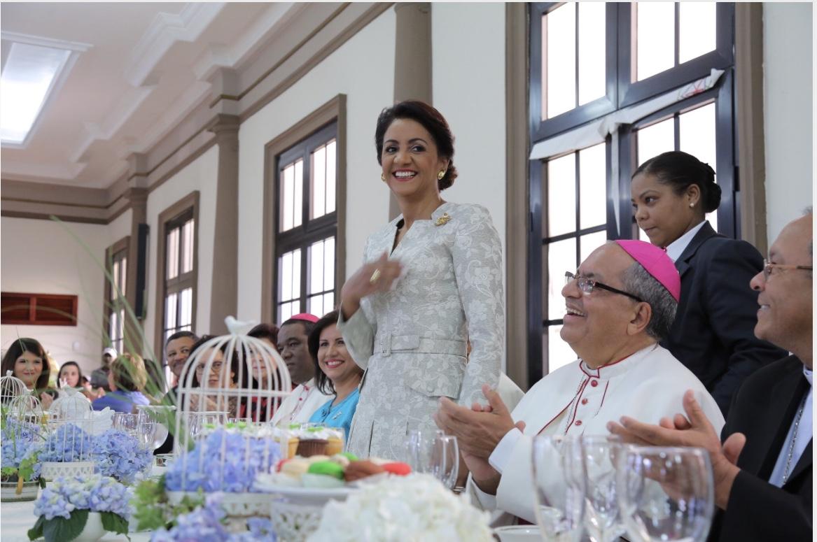 Primera Dama participa en acto benéfico del Arzobispado de Santo Domingo