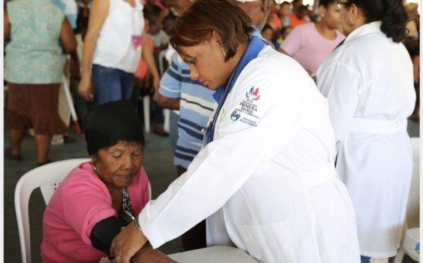 Tres mil personas de Bahoruco reciben atención médica en jornada del Despacho Primera Dama