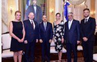 Presidente Danilo Medina recibe delegación de ministros de Dinamarca