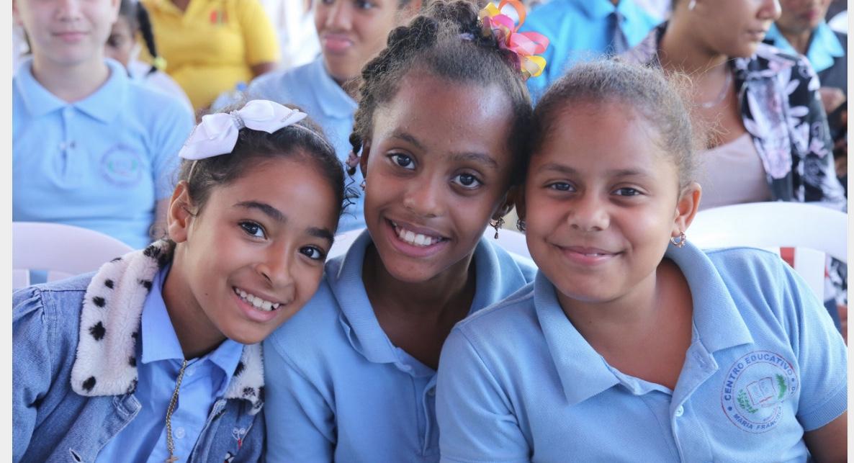 En Bonao, 1,190 estudiantes se integran a Jornada Escolar Extendida; Presidente entrega dos escuelas
