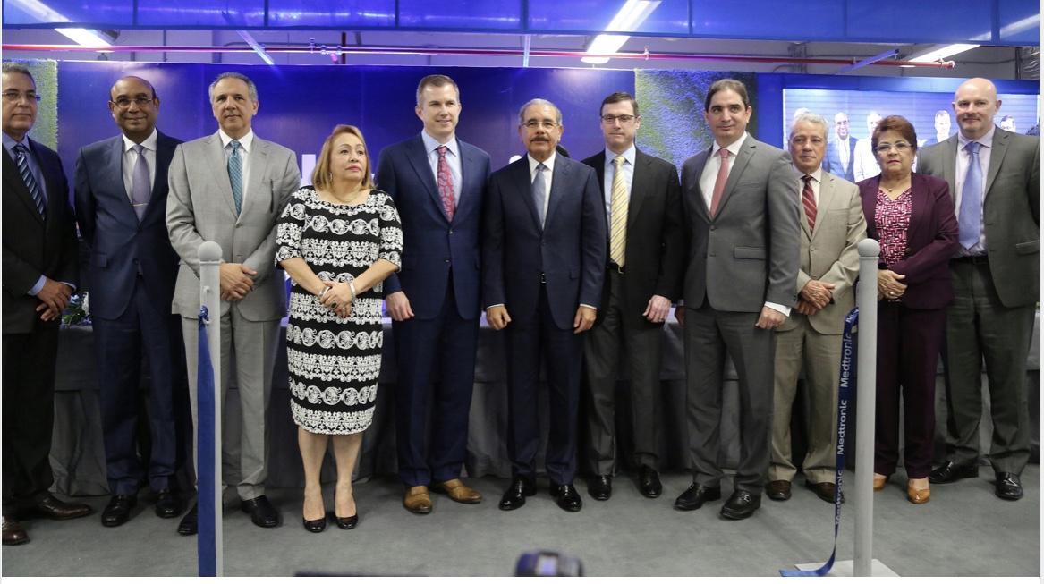Más empleos e inversiones: Danilo asiste a inauguración cuarta planta dispositivos médicos Medtronic