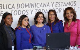 Margarita Cedeño: estoy fascinada con pabellón de República Digital en la XXI Feria del Libro 2018