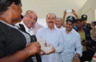 Danilo Medina supervisa proyectos financiados con Visitas Sorpresa en varias provincias