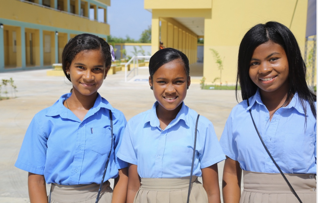 Danilo entrega nueva escuela en San Pedro de Macoris; 910 alumnos se integran a Jornada Escolar Extendida para recibir educación de calidad