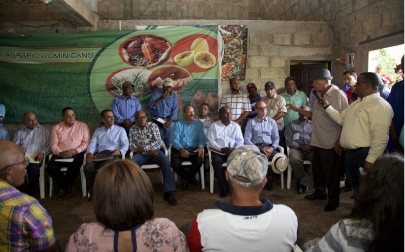 Gobierno reactivará producción agrícola en Pedernales; zona se incorporará a Programa Nacional de Reforestación