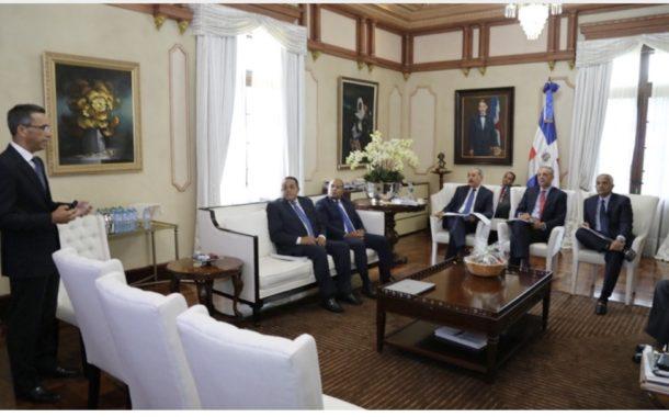 VIDEO: Presidente Danilo Medina encabeza reunión de evaluación a programa de Visitas Sorpresa