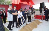 Presidente Danilo Medina asiste a primer palazo complejo Arizona Diamondbacks