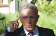 Expresidente Uribe desiste de renunciar a su cargo en el Senado