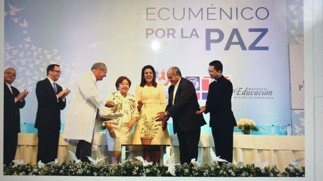 Primera Dama y Encuentro por la Paz