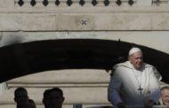 El papa recibirá el jueves a obispos de EEUU en medio de escándalo abusos