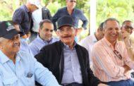 Danilo Medina apoya a productores de Miches en  su Visita Sorpresa 223