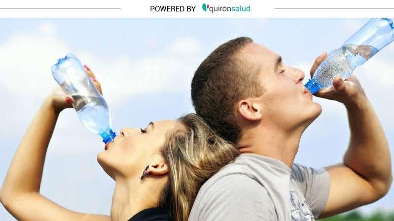 Beber demasiada agua también puede ser peligroso: cuidado con la hiponatremia -Nivel bajo de sodio