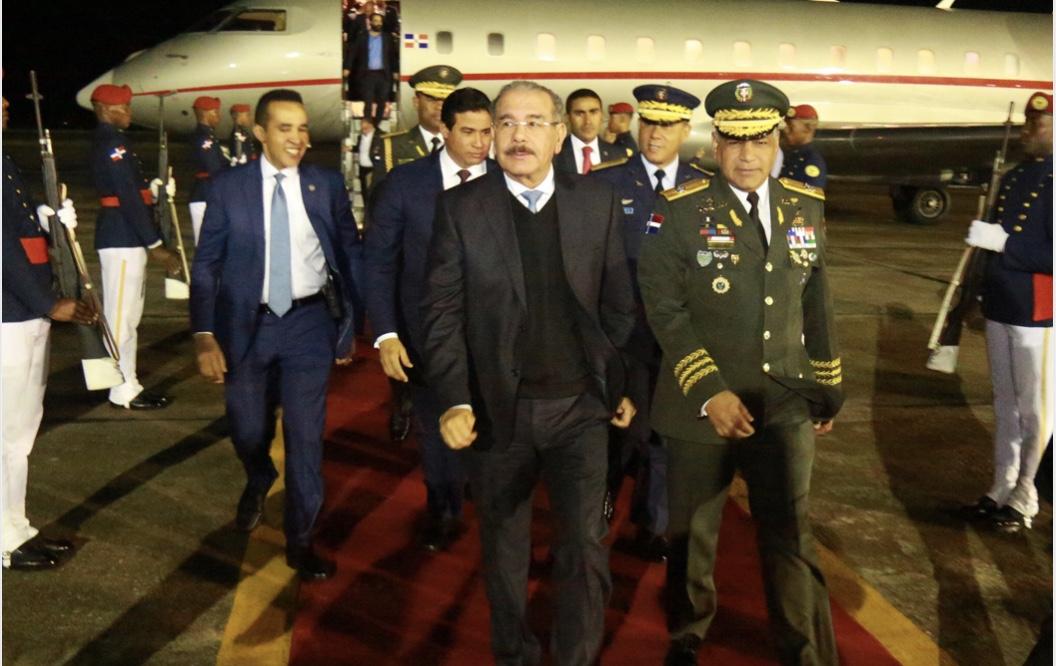 Danilo Medina regresa al país procedente de República Popular China, tras histórica y fructífera visita de Estado