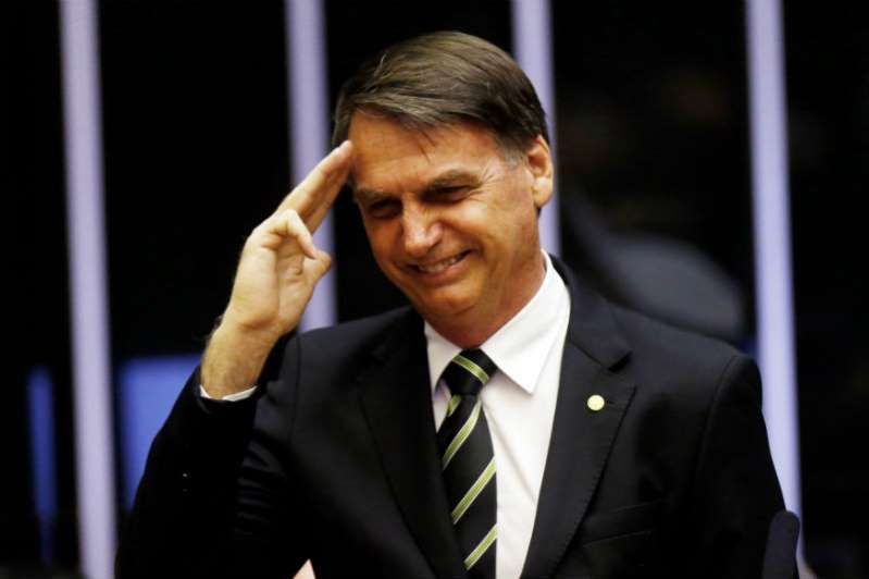 Sin mujeres, equipo de Bolsonaro
