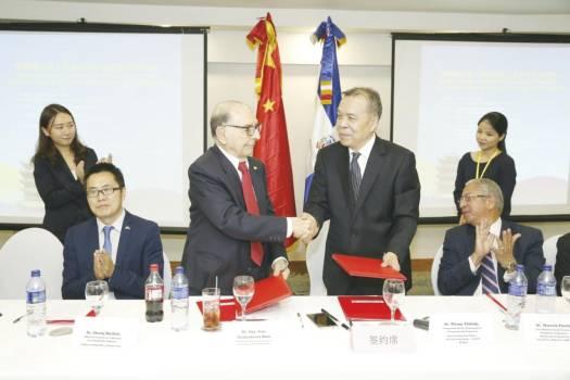 Empresarios de China y RD buscan nuevos negocios