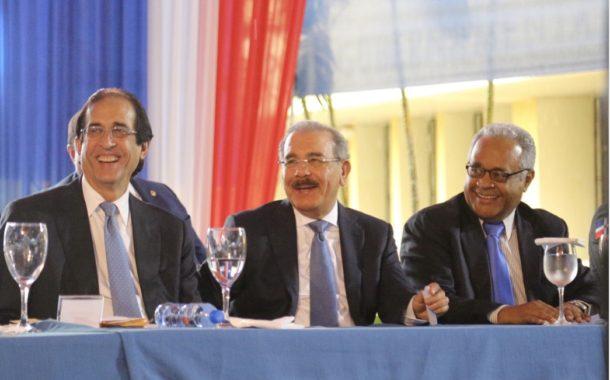 VIDEO: Danilo Medina encabeza puesta en operación del Sistema 911 en Monte Plata. 491 servidores brindarán atención con calidad acostumbrada
