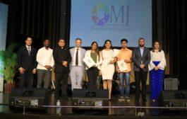 Ministerio de la Juventud entrega becas a 1,200 beneficiados en convocatoria de Transformación Digital