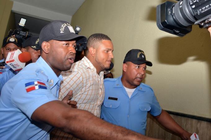 Juez deja en libertad al grupo del Falpo acusado de lanzar heces al edificio de la Suprema Corte