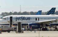 Una mujer da a luz a bordo de avión que iba de Puerto Rico a Florida en EEUU
