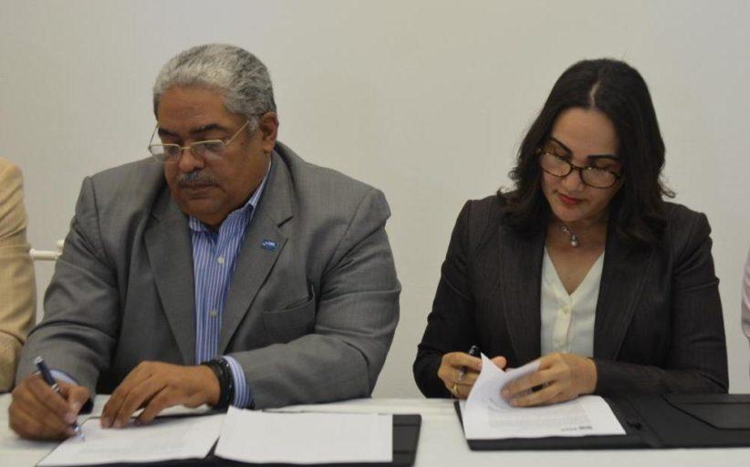 SNS y fundación Franz Miniño acuerdan acciones a favor de pacientes renales