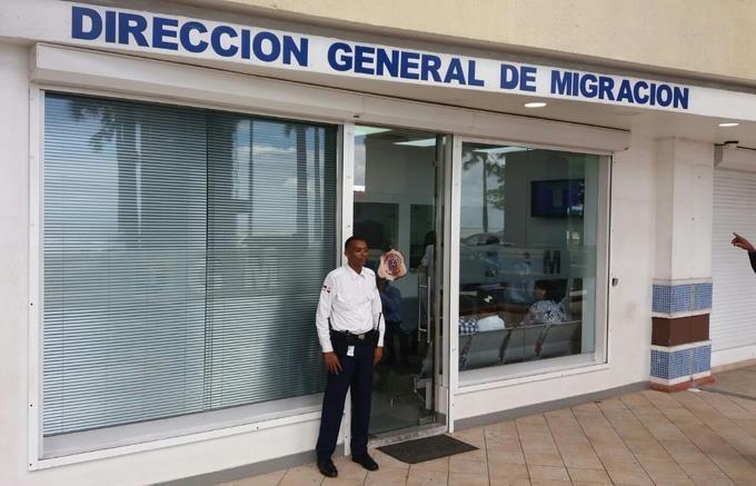 Migración extenderá plazo para permisos de salida de menores en verano