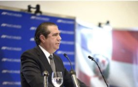 """Francisco Javier dice a leonelistas lo único que le falta es """"quitarse la correa y darle una pela"""" al Presidente Medina"""
