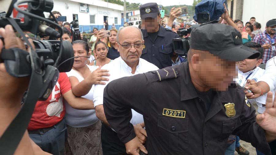 Iglesia católica de El Salvador destituye a un sacerdote acusado de abusar sexualmente de un menor