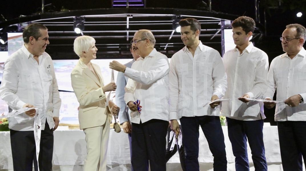 Danilo Medina asiste a inauguración Lopesan Costa Bávaro Resort, Spa & Casino. Se integran 1,042 habitaciones a oferta hotelera