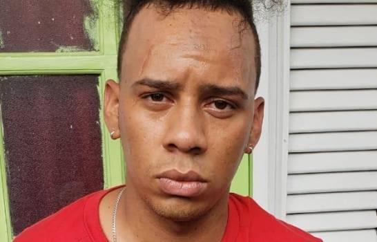 Dictan tres meses de prisión preventiva a Oliver Mirabal acusado de matar dos hombres