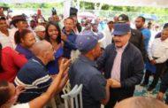 :Visita Sorpresa de Danilo a San Juan y Azua integra a productores en proyectos agroforestales y convertirá a parceleros en agroempresarios