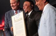 RECONOCIMIENTO: Alcalde de NY distingue a Anthony Santos
