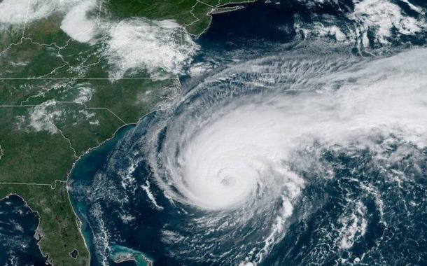 El huracán Humberto intensifica sus vientos y amplía su extensión en su camino a las Bermudas