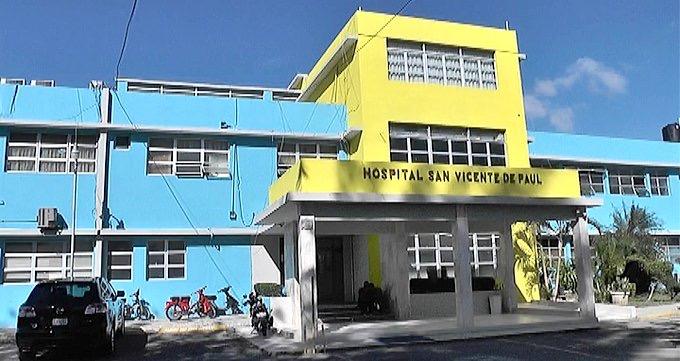 SNS lamenta recluso hirió pacientes en hospital San Vicente de Paúl, en SFM