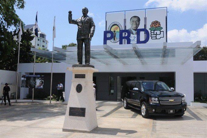 PRD ratifica alianza con el PLD; llevará a Gonzalo Castillo como candidato presidencial