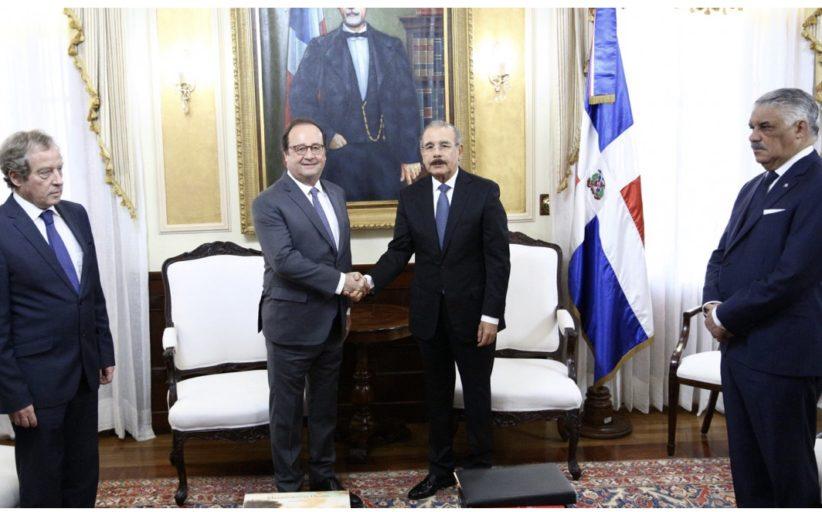 Presidente Danilo Medina recibe al expresidente de Francia, François Hollande