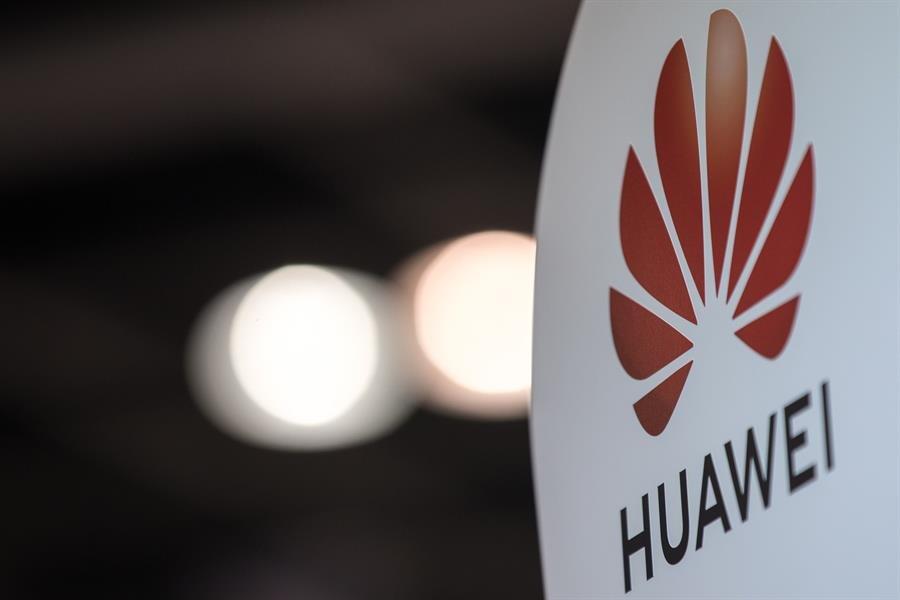 El Gobierno chino dio 75.000 millones de dólares a Huawei para ser líder, según el WSJ