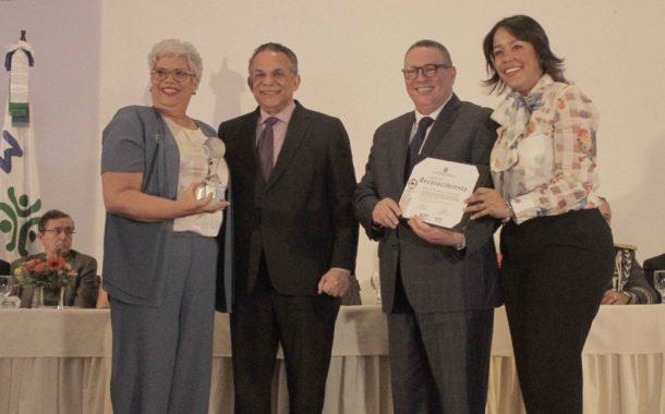 Vicepresidencia recibe reconocimientos por buenas prácticas en instituciones del Gabinete Social
