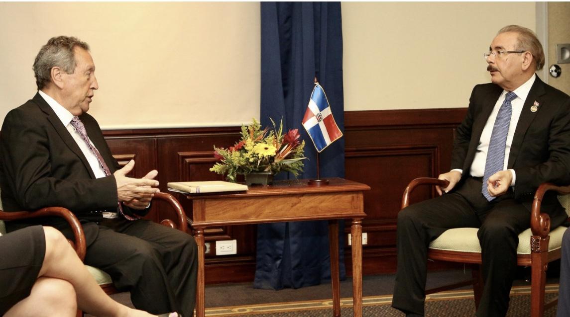 Presidente Danilo Medina se reúne con secretario general SICA, para potenciar agenda regional con visión desarrollo sostenible