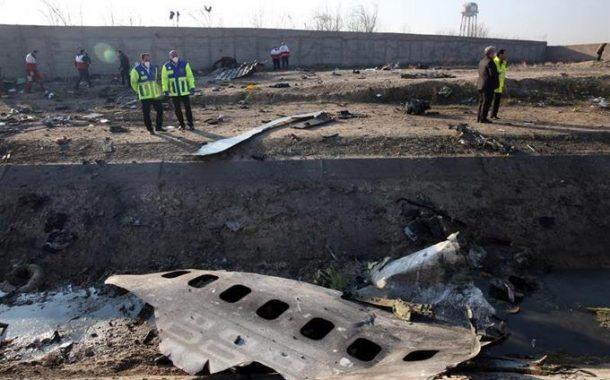 Irán no entregará las cajas negras del avión Boeing estrellado a EE.UU