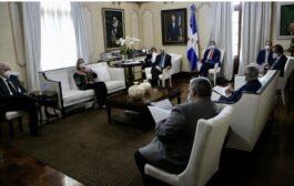Presidente Danilo Medina se reúne con Comité de Emergencias y Gestión Sanitaria para el Combate del COVID-19; evalúa medidas implementadas