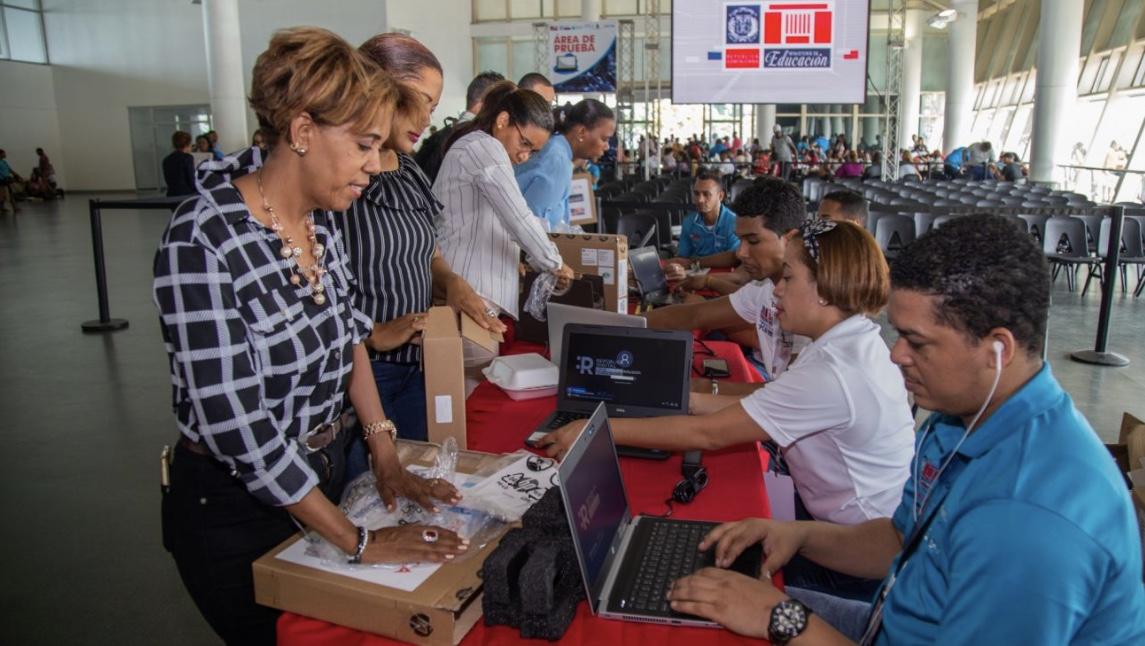 Salarios de maestros de inicial y básica aumentan 97% y los de nivel medio 103%, durante gobierno de Danilo Medina