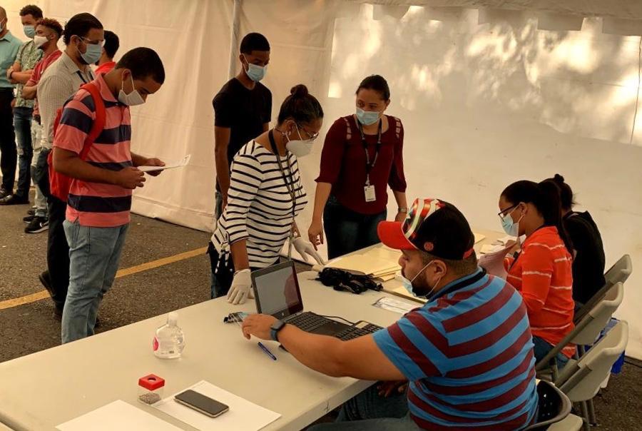 JCE entrega credenciales a 7,500 técnicos para próximas elecciones