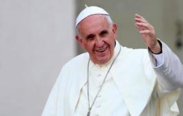El papa subastará regalos de deportistas para recaudar fondos contra pandemia