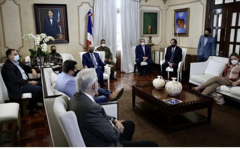 Presidente Danilo Medina se reúne con miembros de Comité de Emergencia y Gestión Sanitaria. Pasan balance a situación COVID-19